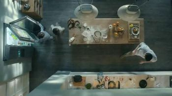 Samsung Food ShowCase Refrigerator TV Spot, 'Mom's Birthday Surprise'