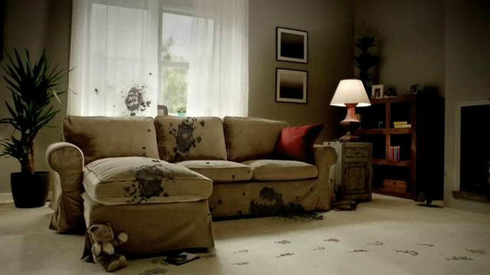 Resolve Stain Remover TV Commercial, 'Muddy Couch'