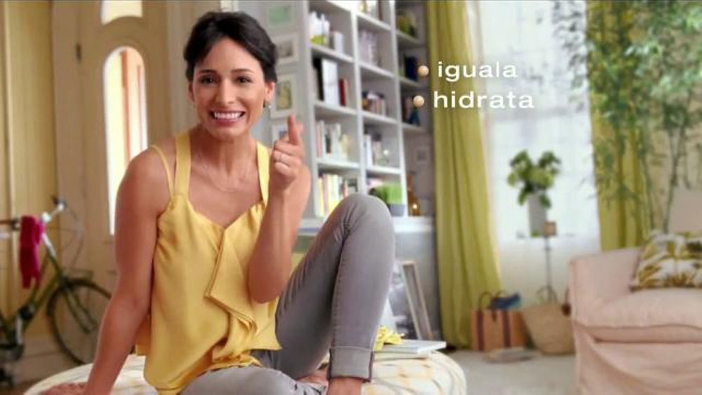 Garnier Skin Renew Miracle Skin Perfector BB Cream Commercial Televisivo