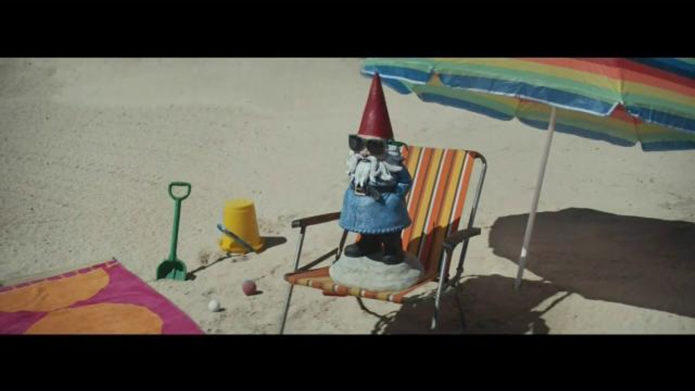 Travelocity TV Commercial, 'Beached'