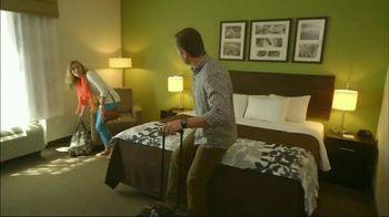 Choice Hotels Sleep In TV Spot, 'Reunion'