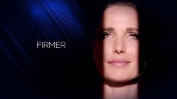 L'Oreal Paris Revitalift TV Spot Featuring Andie MacDowell - Thumbnail 9