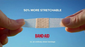 Band-Aid Comfort Sheer TV Spot, 'Soccer Game' - Thumbnail 4