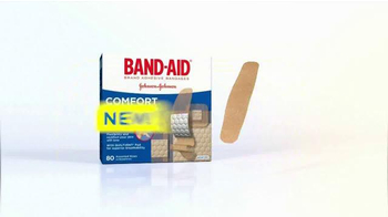 Band-Aid Comfort Sheer TV Spot, 'Soccer Game' - Thumbnail 9
