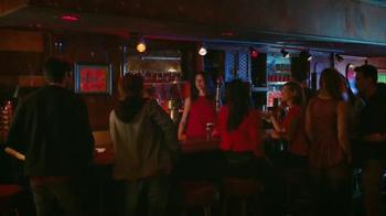 Redd's Apple Ale TV Spot, 'Jukebox' [Spanish] - Thumbnail 1