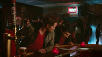 Redd's Apple Ale TV Spot, 'Jukebox' [Spanish] - 233 commercial airings