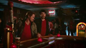 Redd's Apple Ale TV Spot, 'Jukebox' [Spanish] - Thumbnail 6