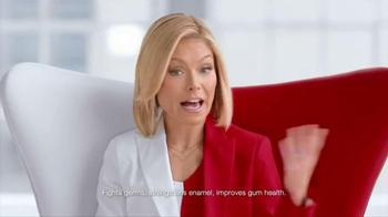 Colgate Total TV Spot, 'Healthier & Whiter' Featuring Kelly Ripa - Thumbnail 8