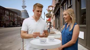 Yoplait 100 Calorie Strawberry Greek Yogurt TV Spot, 'Music City Taste-Off' - Thumbnail 5