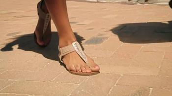 Famous Footwear Mobile App TV Spot, 'Shines On' - Thumbnail 7