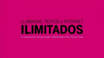 T-Mobile TV Spot, 'Shakira y la Familia' [Spanish] - Thumbnail 8