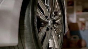 2014 Kia Optima LX TV Spot, 'Backup Warning System' - Thumbnail 2