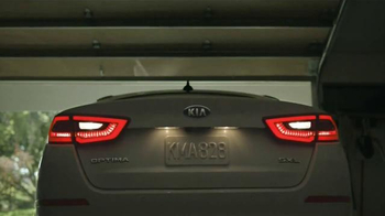 2014 Kia Optima LX TV Spot, 'Backup Warning System' - Thumbnail 3