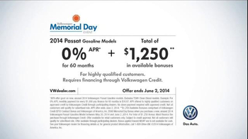 Volkswagen TV Spot, 'Memorial Day Event' - Thumbnail 10