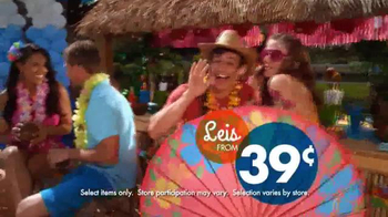 Party City TV Spot, 'Dive into a Fun-in-the-Sun Summer Party!' - Thumbnail 5