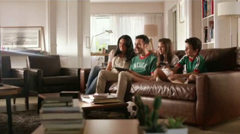 XFINITY X1 Operating System TV Spot, 'Plaza de Comidas' [Spanish] - Thumbnail 8