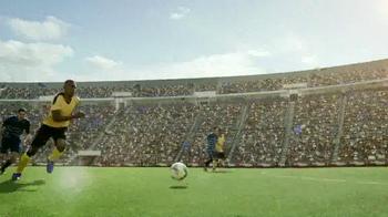 Coors Light TV Spot, 'Refresh Your Soccer Passion' Ft. Luis Amaranto Perea - Thumbnail 2