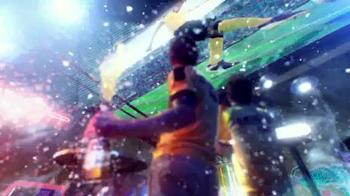 Coors Light TV Spot, 'Refresh Your Soccer Passion' Ft. Luis Amaranto Perea - Thumbnail 6