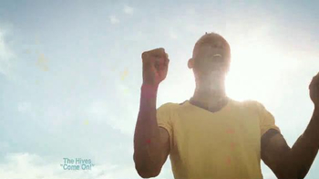 Coors Light TV Spot, 'Refresh Your Soccer Passion' Ft. Luis Amaranto Perea - Thumbnail 9