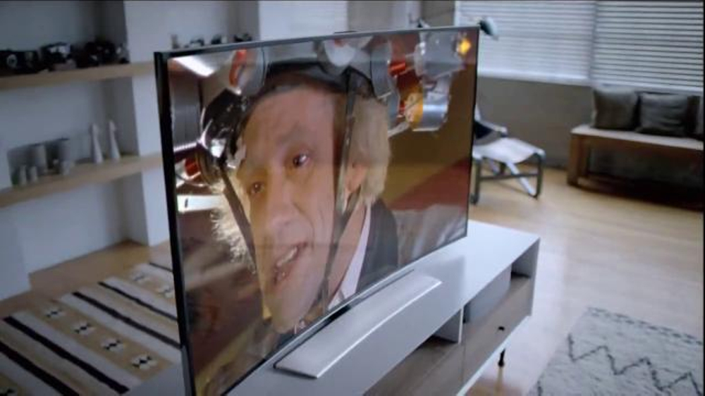 Samsung Curved UHD TV TV Commercial, 'You Need to See This'