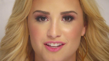 ACUVUE TV Spot Featuring Demi Lovato - Thumbnail 6