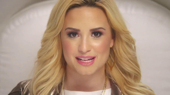 ACUVUE TV Spot Featuring Demi Lovato - Thumbnail 7