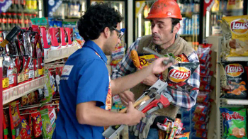 AmPm Mix and Match Free Drink TV Spot, 'Snacks' - Thumbnail 5