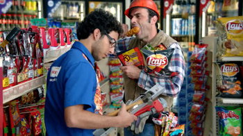 AmPm Mix and Match Free Drink TV Spot, 'Snacks' - Thumbnail 6