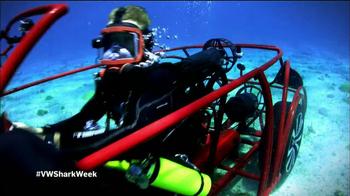 Volkswagen Beetle Convertible TV Spot, 'Shark Week' Featuring Luke Tipple - Thumbnail 5