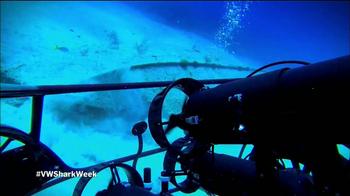 Volkswagen Beetle Convertible TV Spot, 'Shark Week' Featuring Luke Tipple - Thumbnail 6