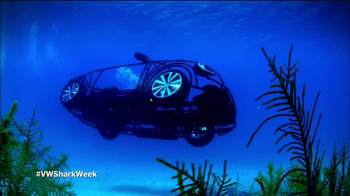 Volkswagen Beetle Convertible TV Spot, 'Shark Week' Featuring Luke Tipple - Thumbnail 7