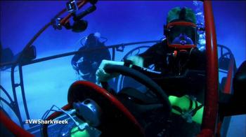 Volkswagen Beetle Convertible TV Spot, 'Shark Week' Featuring Luke Tipple - Thumbnail 8