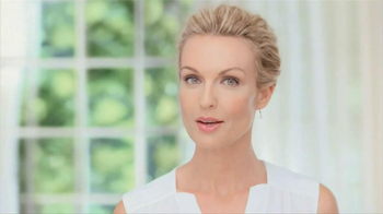 Garnier Anti-Aging BB Cream TV Spot, 'Mother' - Thumbnail 1