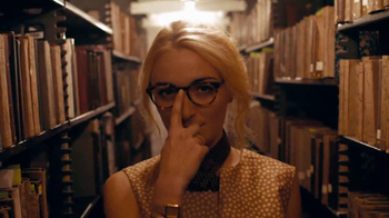 Warby Parker TV Spot, 'The Literary Life Well Lived' Song by The Kinks - Thumbnail 7
