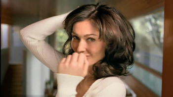 Clairol Nice 'N Easy Root Touch-Up TV Spot, 'Liz's Story' - Thumbnail 4
