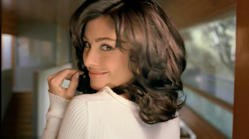 Clairol Nice 'N Easy Root Touch-Up TV Spot, 'Liz's Story' - Thumbnail 5