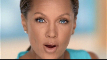 Clear Eyes Redness TV Spot, 'Multi-Symptom Relief' Ft. Vanessa Williams - Thumbnail 5