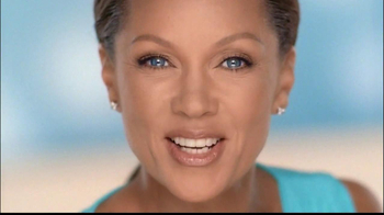 Clear Eyes Redness TV Spot, 'Multi-Symptom Relief' Ft. Vanessa Williams - Thumbnail 9