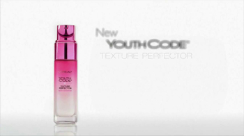Loreal Paris Youth Code Texture Perfector TV Spot, 'A New Level of Skin Quality' - Thumbnail 9