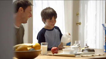 Frosted Flakes TV Spot, 'Catch with Dad' - Thumbnail 5