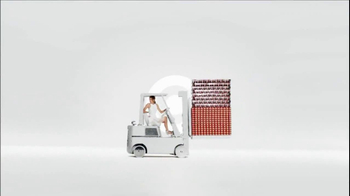 Target Everyday Collection TV Spot, 'Forklift' - Thumbnail 7