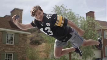 DIRECTV NFL Sunday Ticket TV Spot, 'Flying' - Thumbnail 4