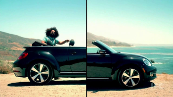 Volkswagen Beetle Convertible Turbo TV Spot 'Reggie Riffs' - Thumbnail 9