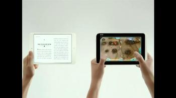 Microsoft Windows 8 Tablet TV Spot, 'Small World' - Thumbnail 8
