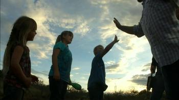 Gold Prospectors Association of America TV Spot, 'Arizona Family' - Thumbnail 4