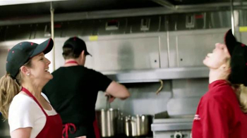 Pizza Hut Cheesy Bites Pizza TV Spot [Spanish] - Thumbnail 3