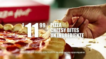 Pizza Hut Cheesy Bites Pizza TV Spot [Spanish] - Thumbnail 6