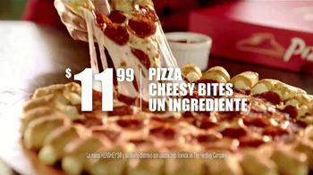 Pizza Hut Cheesy Bites Pizza TV Spot [Spanish] - Thumbnail 7