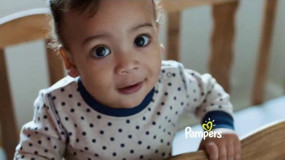 Pampers TV Commercial, 'A Bailar'
