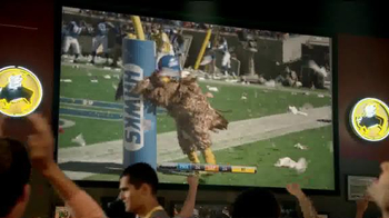 Buffalo Wild Wings TV Spot, 'Fans' - Thumbnail 7
